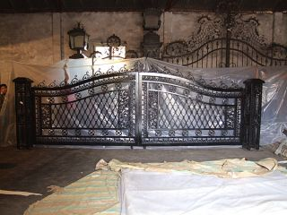 Stunning Fancy Regal Entry Cast Iron Black Gate W/posts photo