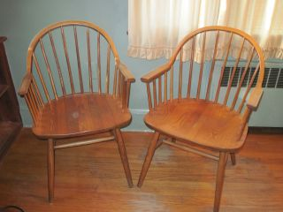 Windsor Bowback Captains Arm Chairs Set Of 2 Colonial photo