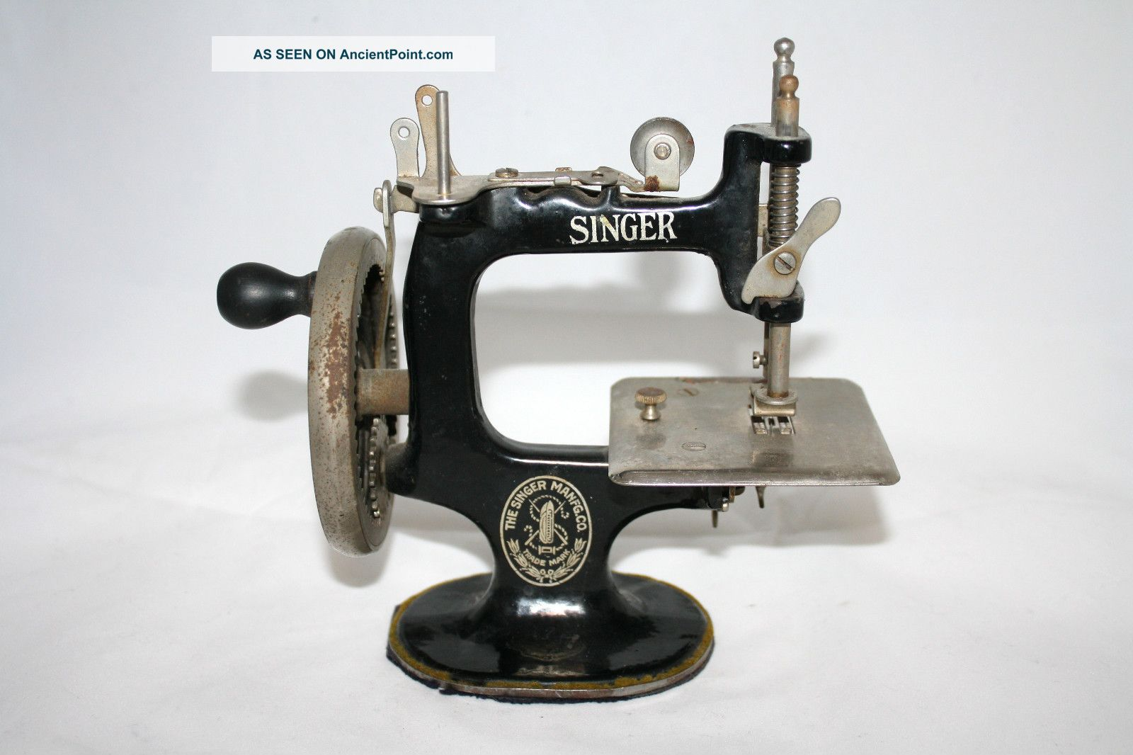 Antique Singer Hand Crank Singer 20 Sewing Machine Childs Toy Sewing Machines photo