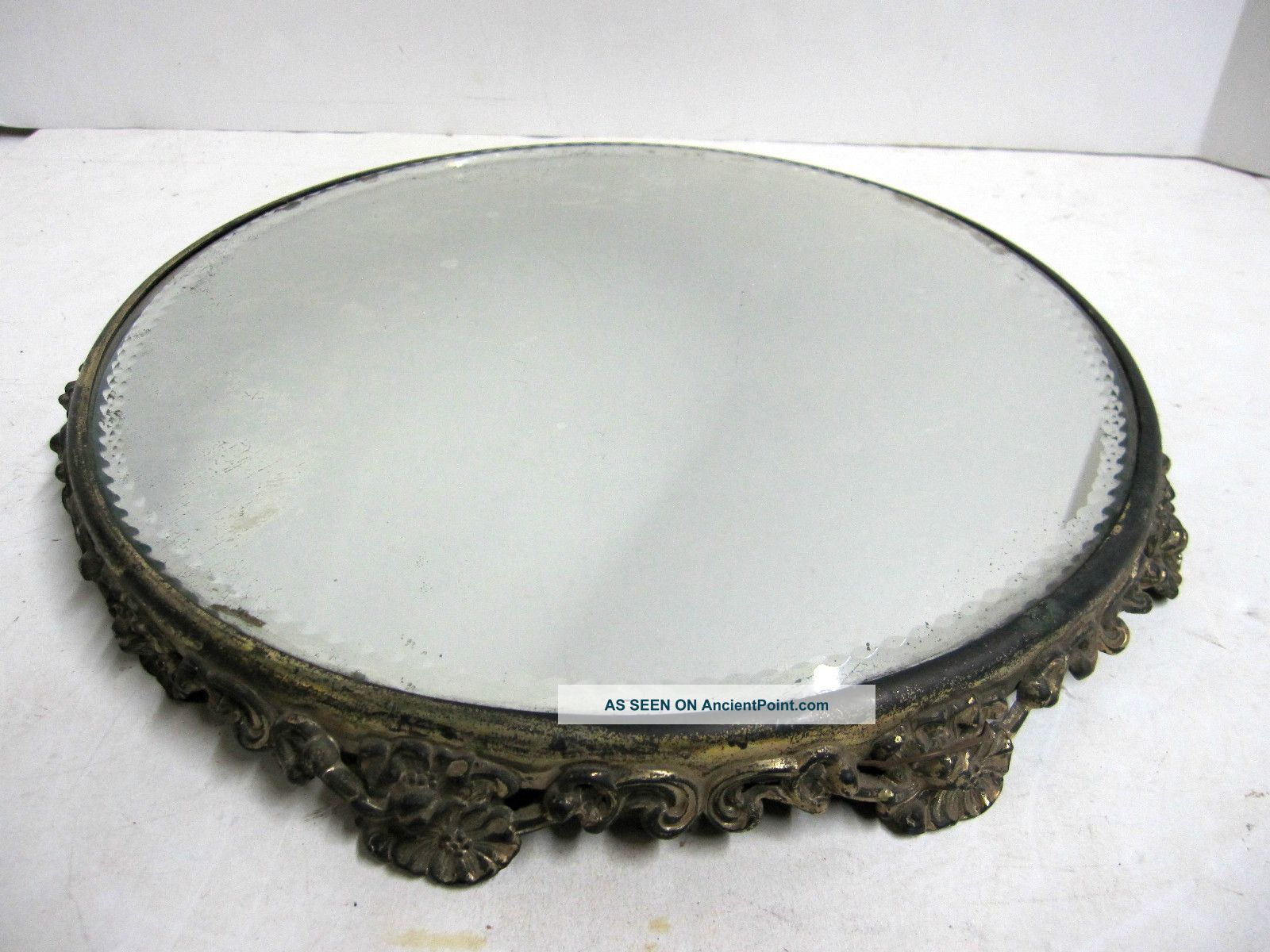 Antique Ornate Victorian Plateau Round Fl Footed Vanity Tray