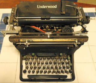 Antique 1945 Underwood Typewriter Model 6 Standard - 11 S11 - 5808490 Full Set Keys photo