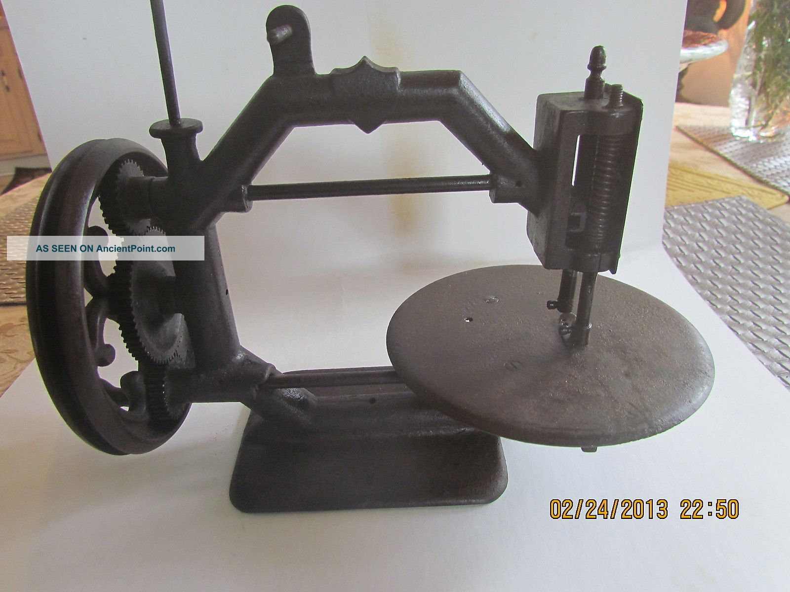 1869 Davis Factory Proto Type Iron Octagon Sewing Machine Works Great Sewing Machines photo