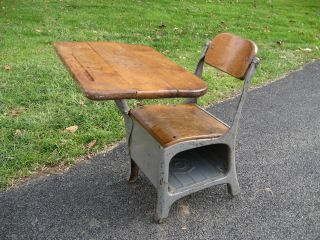 Antique Vintage School House Small Child ' S Desk And Chair Mid Century photo
