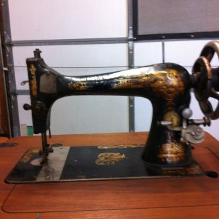 1902 Singer Tredal Sewing Machine photo
