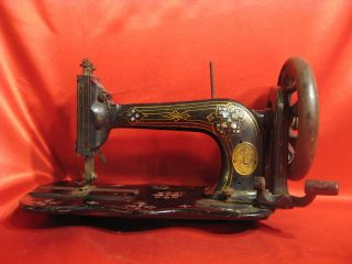 Antique Mother - Of - Pearl Singer New Family Guilt Fiddle Base Sewing Machine Gc photo