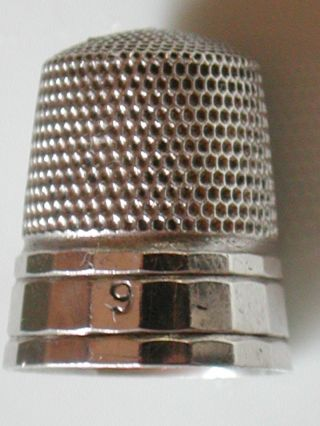 Antique Sterling Silver Simons Brothers.  Hallmarked Panaled Thimble photo