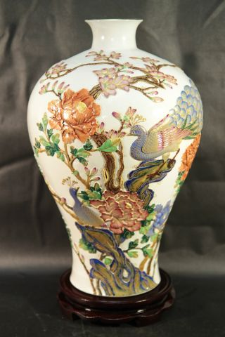 An Exquisite Large White Chinese Enamel Porcelain Vase Embossed Carved Flowers photo