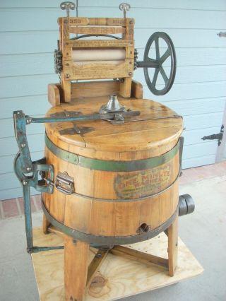 1901 The One Minuet Washer - Hit & Miss Washing Machine Antique Engine Tractor photo
