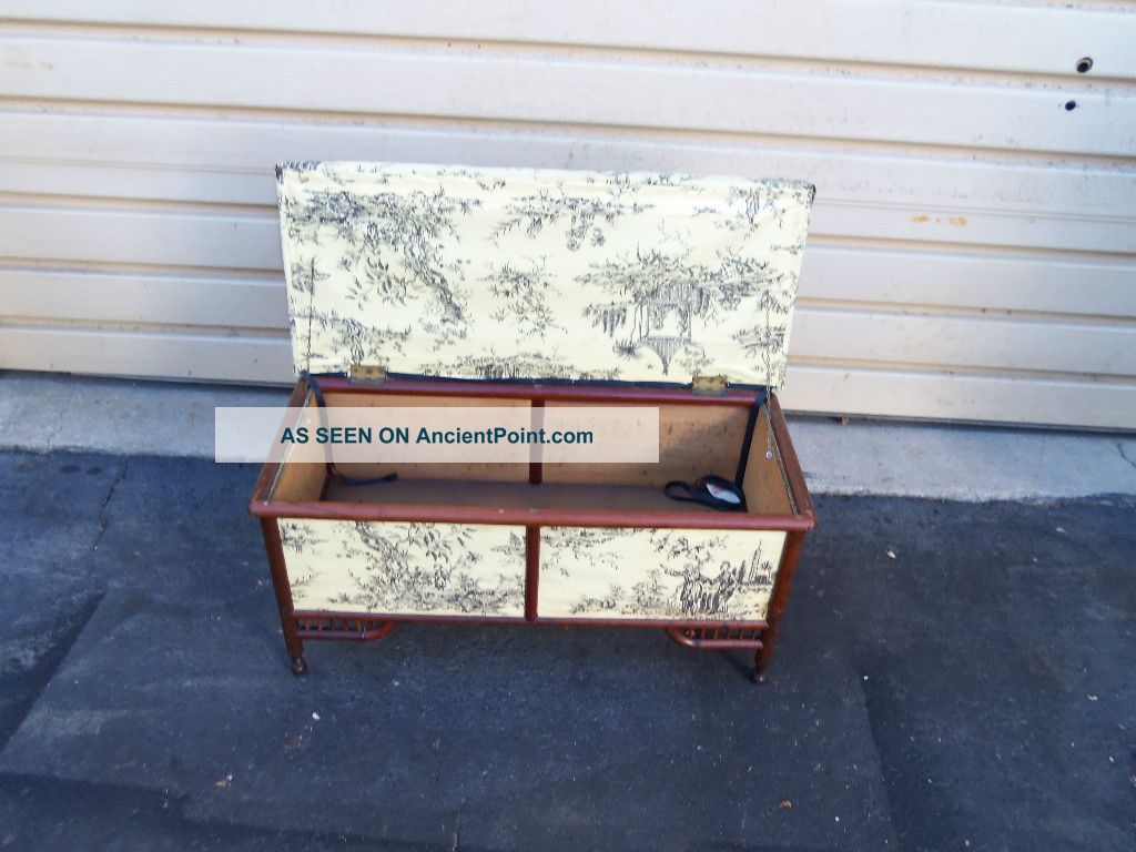 49281 Antique Victorian Oak Storage Trunk Chest 1900-1950 photo