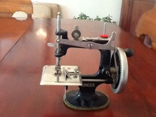 Antique Singer 20 Sewing Machine Toy Miniature 1920 ' S - 40 ' S Usable For Sewing photo