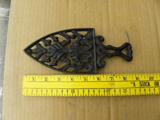 Vintage Cast Iron Spade Design Sad Iron Stand For 5.  5