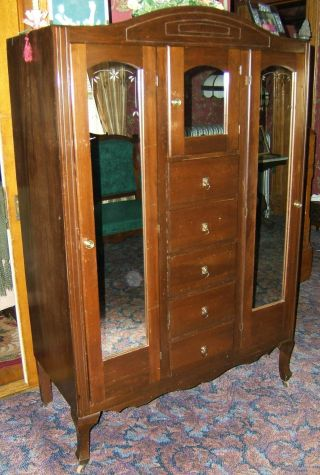 Wardrobe / Lots Of Doors & Drawers / Pick Up Only photo