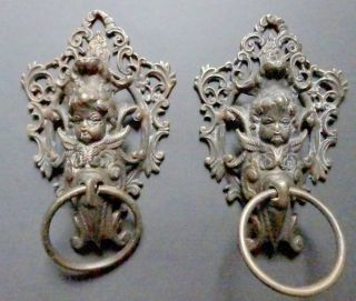 Pair Of Handles In Bronze With Cherub On Background Of Foliage - 19th Century - Door photo