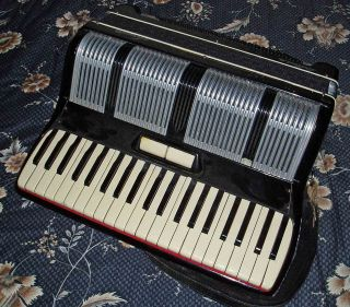 Serenelli Bellini 111 120 Bass 2 Treble Piano Accordion Made In Italy Rg No 3105 photo
