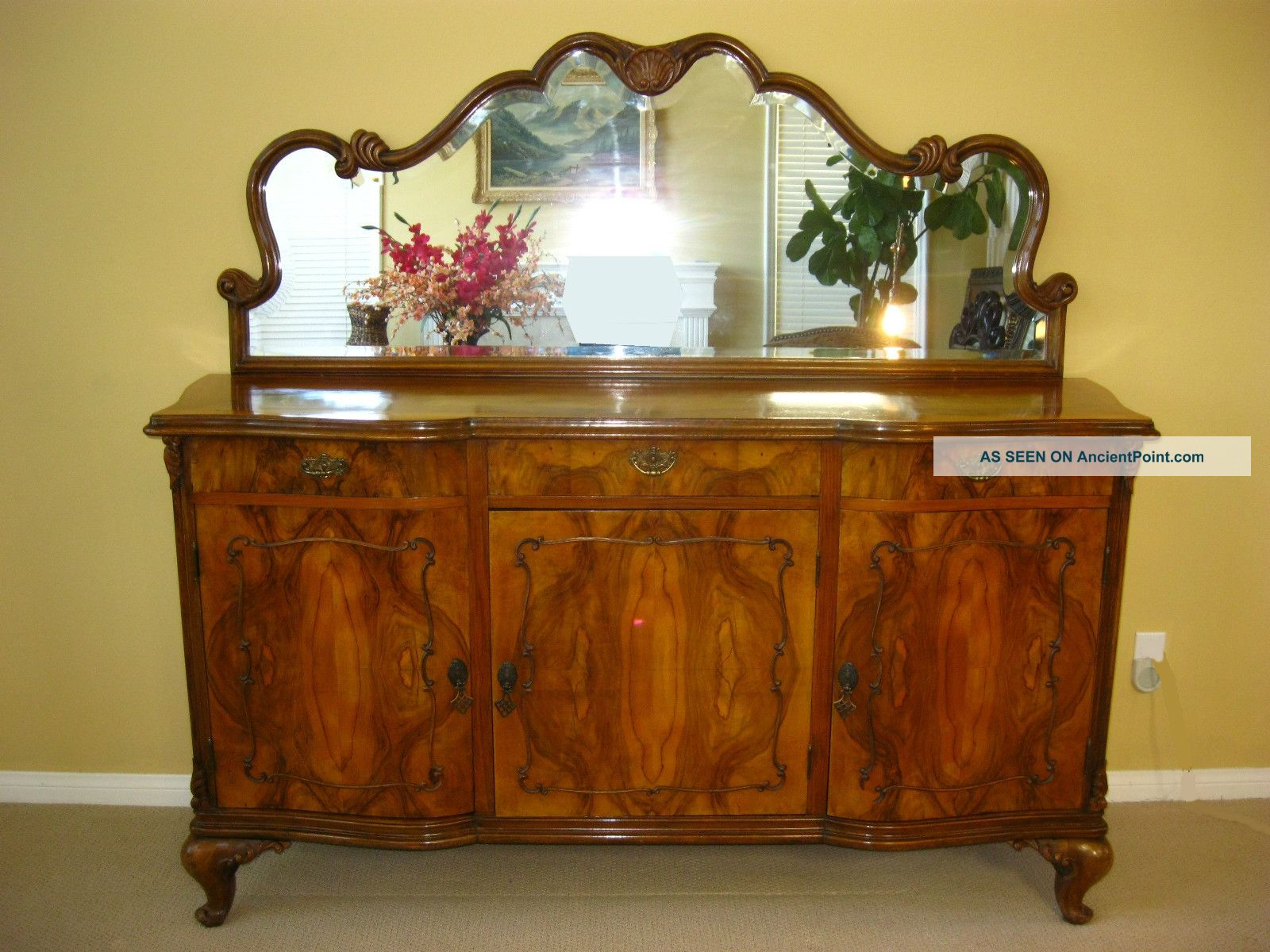 Exquisite Vintage Burl Wood Buffet W/ Mirror Sideboard Credenza Onlays Carvings Post-1950 photo