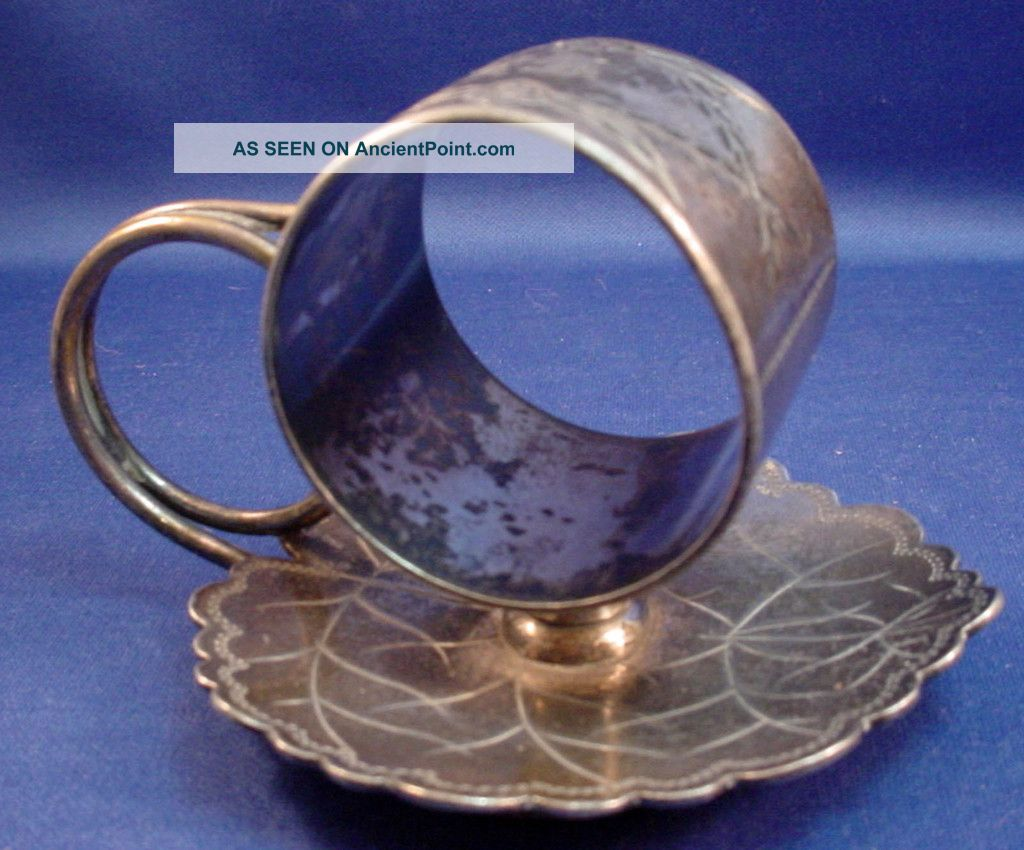 Figural Napkin Ring Scalloped Leaf - Silver Plate - Victorian - Toronto Sp Co. Napkin Rings & Clips photo