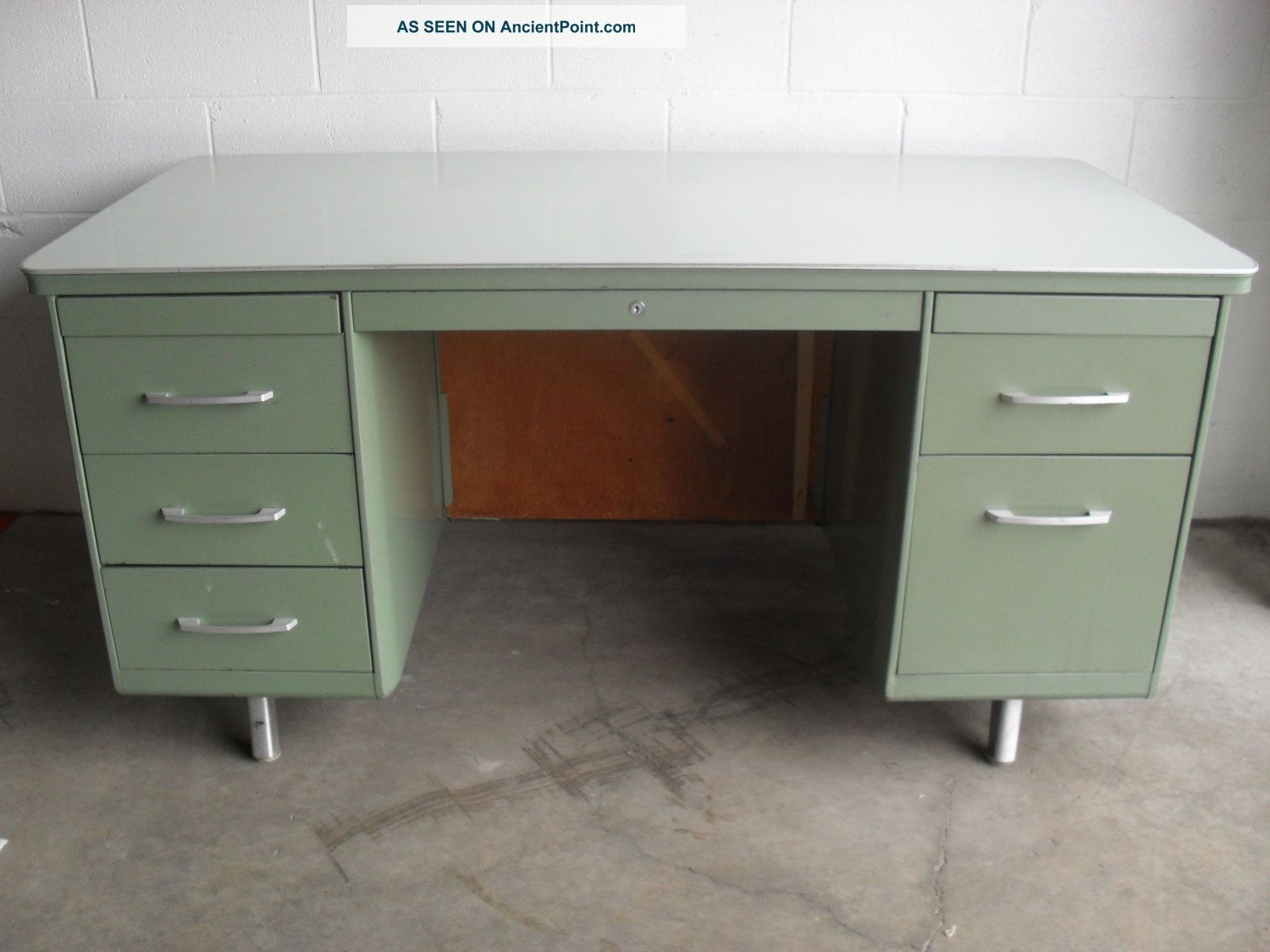 Vintage Mid Century Mad Men Machine Age Eames Mist Green Steel Tanker Desk L K