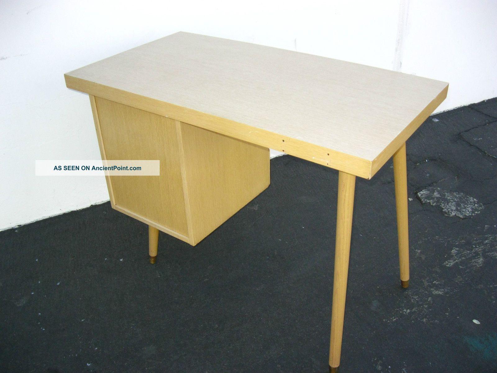 Vintage Mid Century Modern Wood Desk Light Wood Tone Danish Modern ...