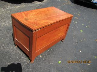 Small Primitive Trunk With Grain Paint And Hand Planed Panels Provenance 1800s photo