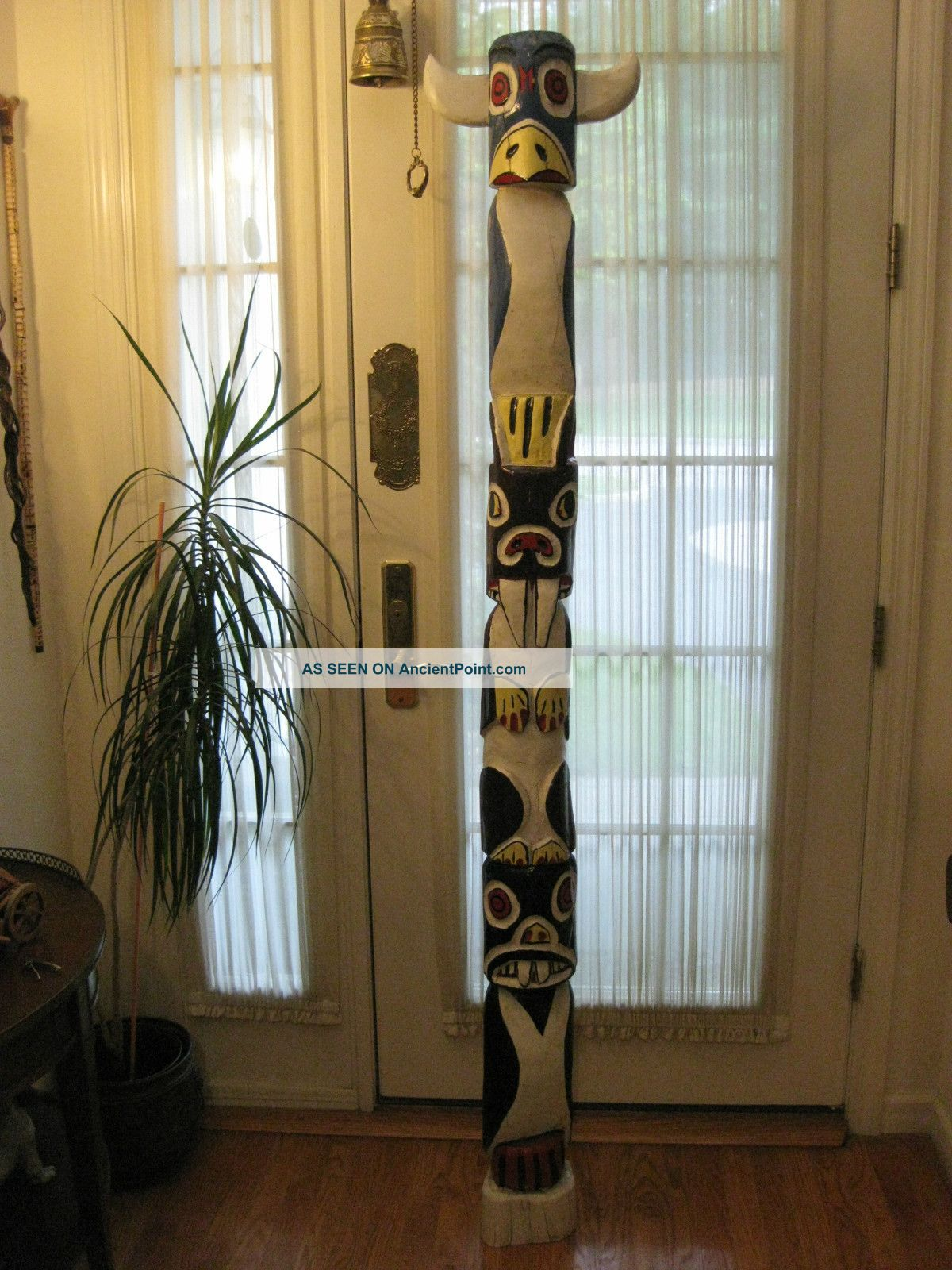 Mw: American Indian Cherokee Hand Carved Antique 6 ' Wood Totem Pole S.  E.  Indians Native American photo