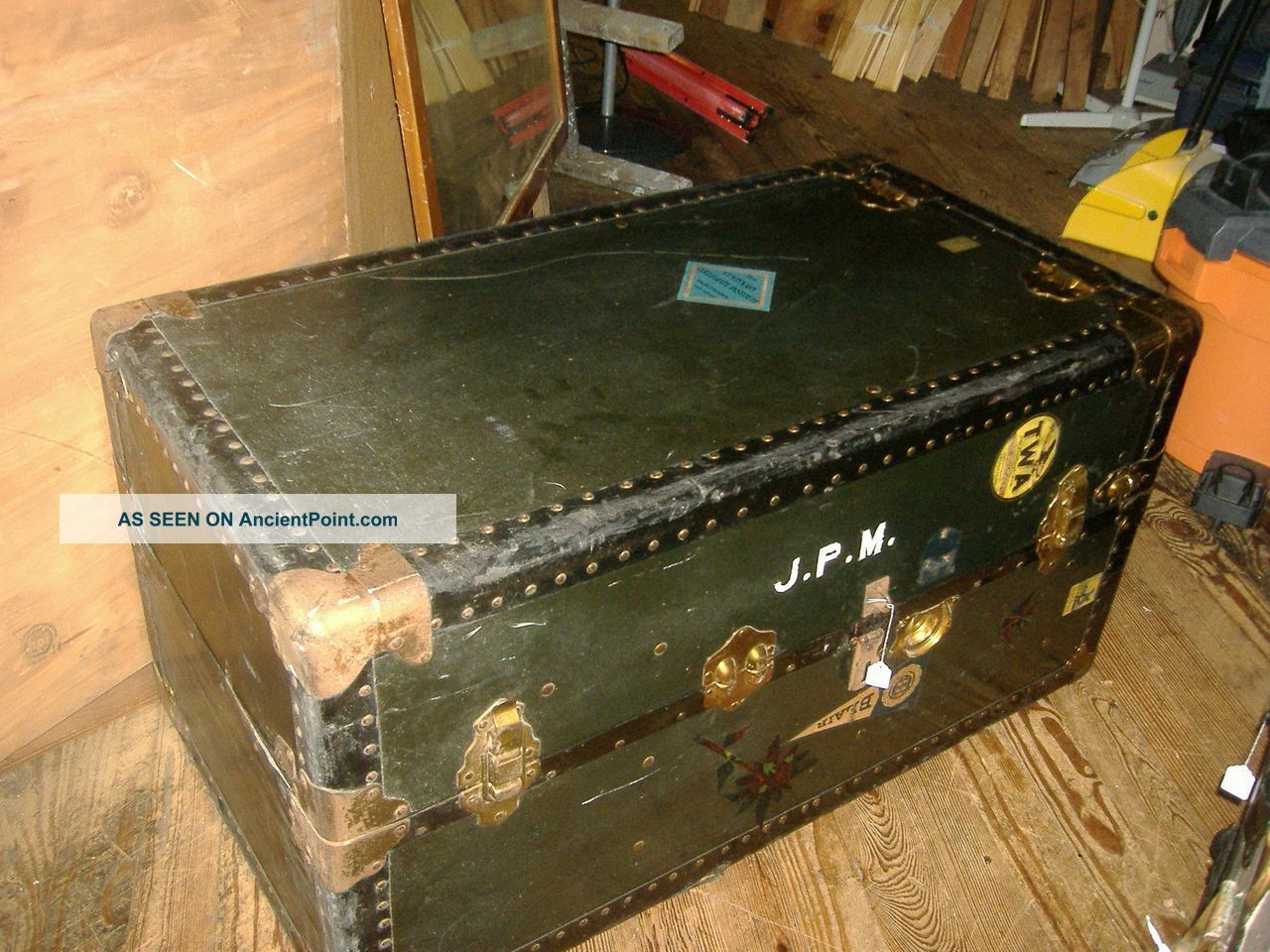 Early Wardrobe Steamer Trunk Coffee Table Vintage Travelling 1900-1950 photo