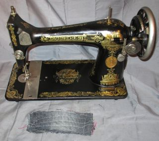 Serviced Antique 1925 Singer 127 Sphinx Treadle Sewing Machine Works See Video photo