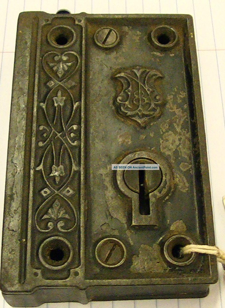 How a skeleton key lock works