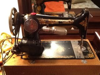 1925 Singer 127 Sphinx Treadle Sewing Machine Works /case photo