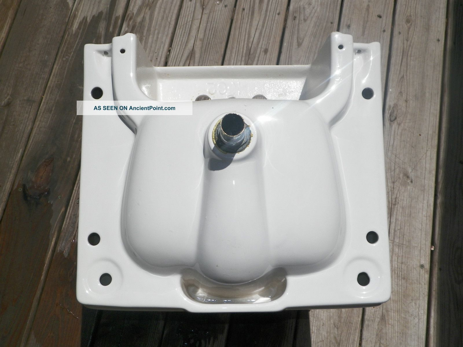 ... Gerber Wall Mount Porcelain Sink With Mounting Bracket. Sinks photo 4