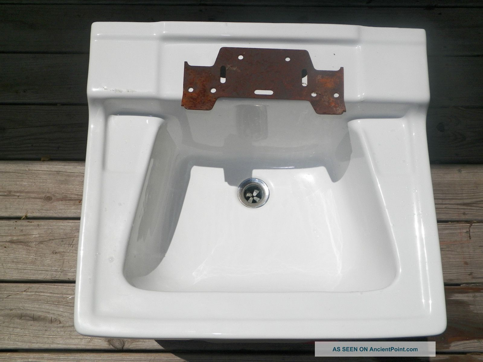 ... Gerber Wall Mount Porcelain Sink With Mounting Bracket. Sinks photo 6