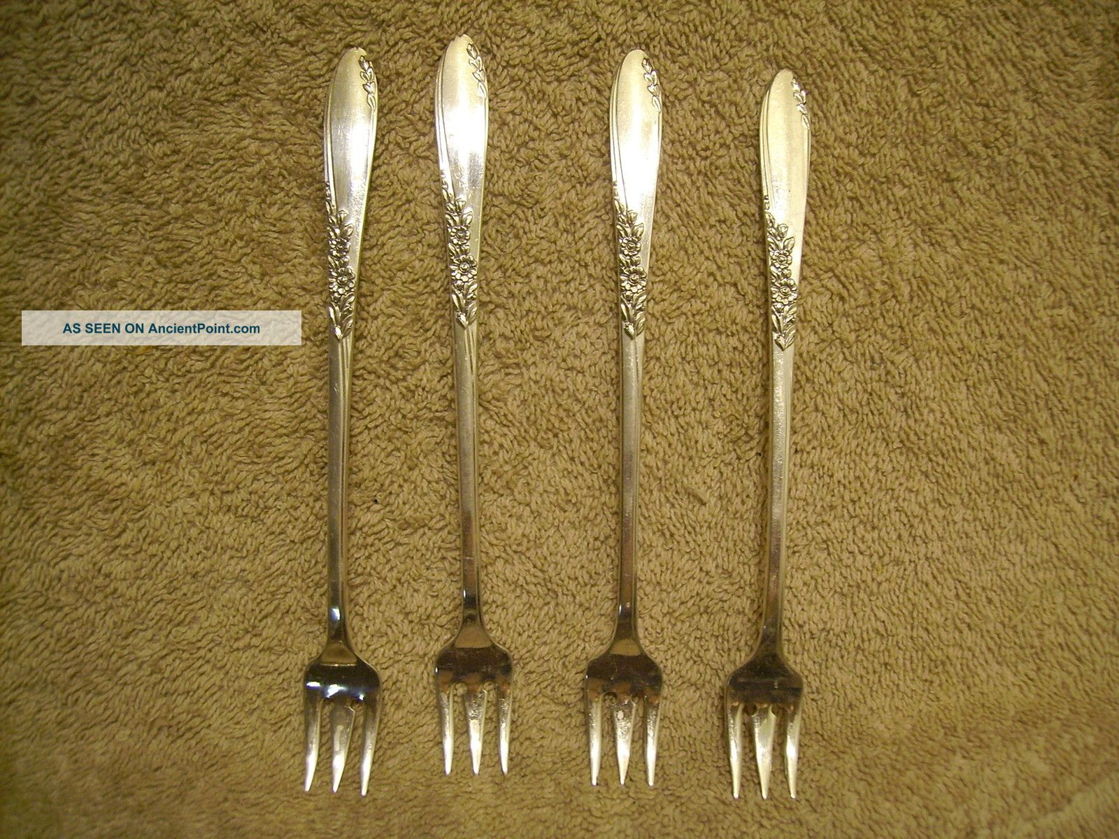 4 Rogers 1954 Country Lane Seafood Cocktail Forks Oneida Ltd Silverplate Oneida/Wm. A. Rogers photo