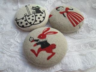 Vintage Buttons With Linen/printed/snow White/.  Hare /cat photo