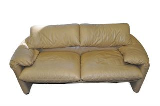 Vico Magistretti Maralunga Cassina Two - Seater Sofa Beige Leather photo
