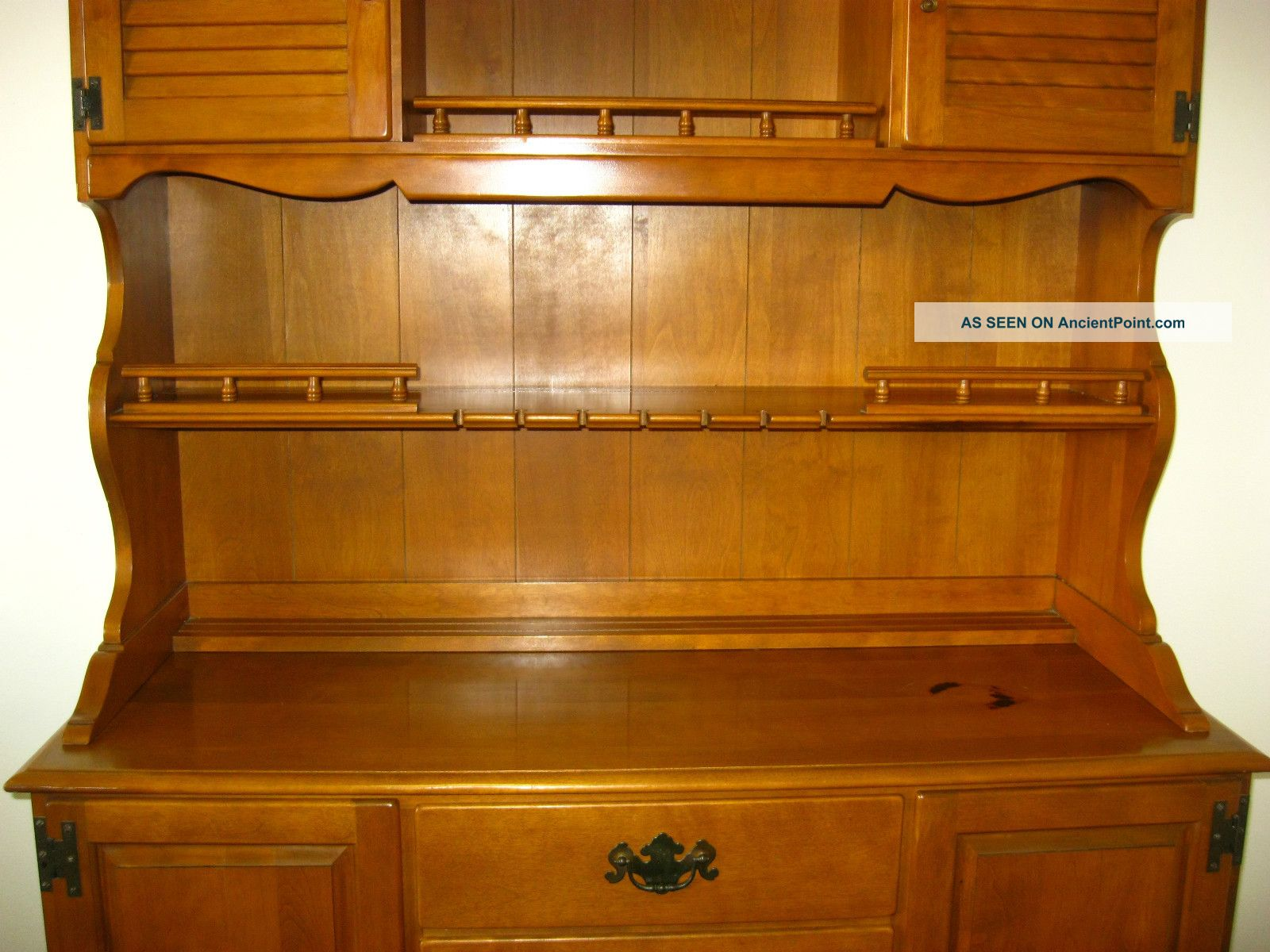 Vintage Ethan Allen Maple Wood Hutch Cupboard Cabinet Buffet Colonial Style