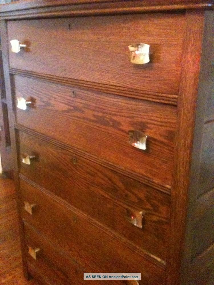 Vintage 40 ' S Mission Style Dark Oak 5 Drawer Chest W/skeleton Lock And Key Incl 1900-1950 photo