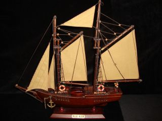 Schooner Bluenose Wood Sailboat Ship Model Nova Scotia 18