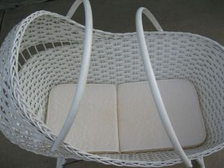 Vintage Wicker Basket Baby Nursery Convertible Bed Crib Cradle Bassinet photo