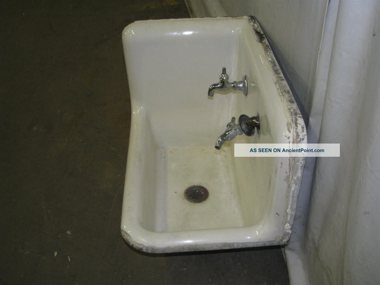 Antique Industrial Porcelain Corner Sink Sinks photo 1