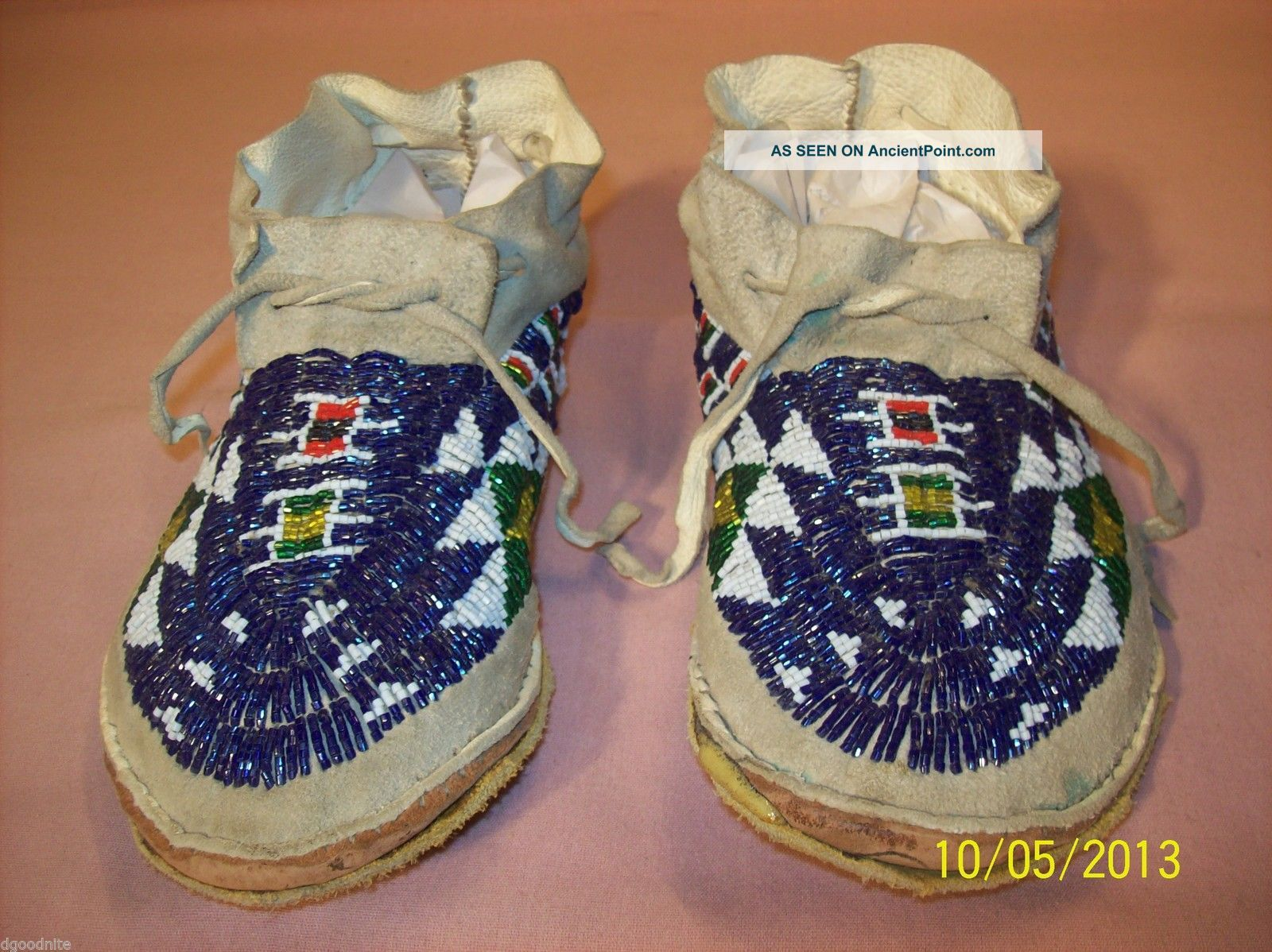 Vtg Antique Native Anerican Lakota Sioux Indian Beaded Moccasins Sinew Sewn Native American photo