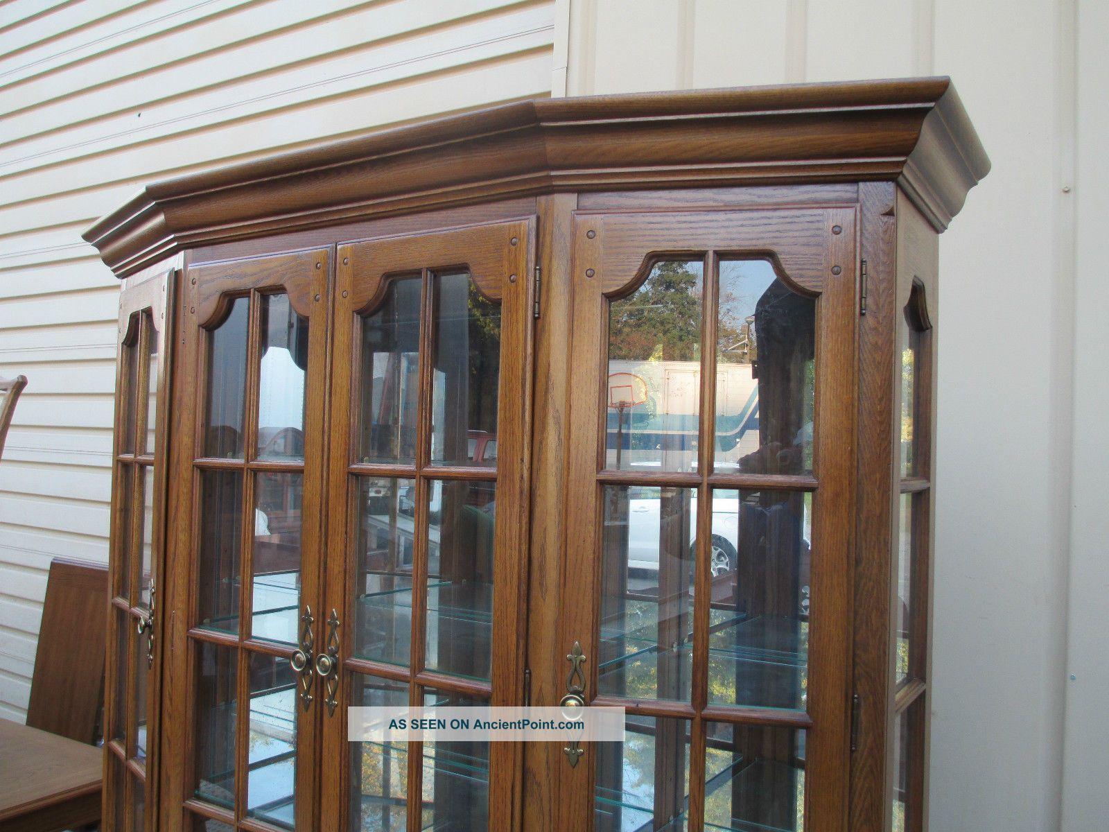 Beautiful Thomasville Oak Dining Room Set 1600 x 1200 · 288 kB · jpeg