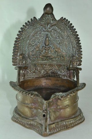 Antique Indian Bronze Hindu Gaja - Lakshmi Altar - Piece Lamp 16th - 18th C. photo