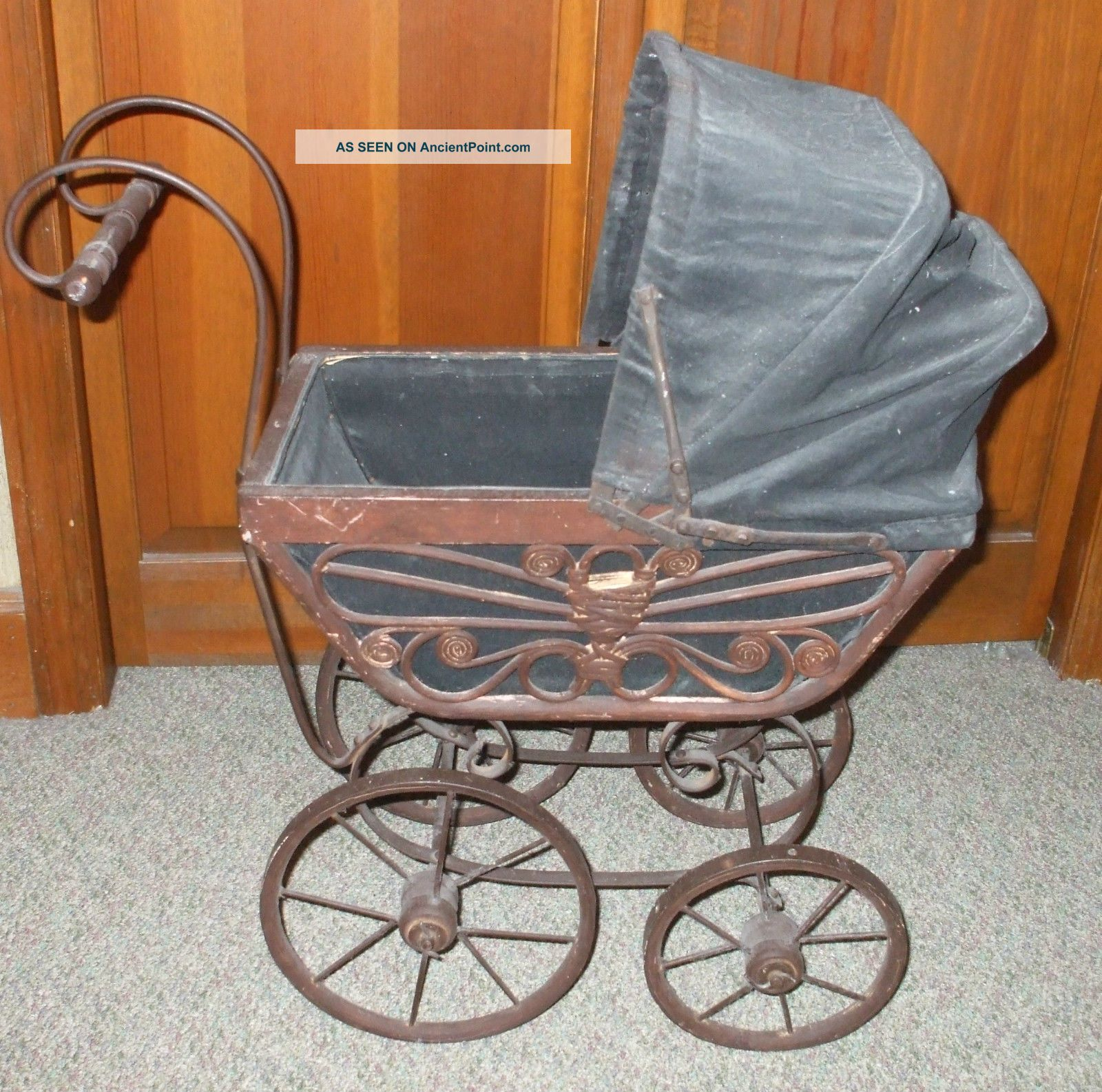 Antique baby carriage pictures to pin on pinterest pinsdaddy for Carriage style