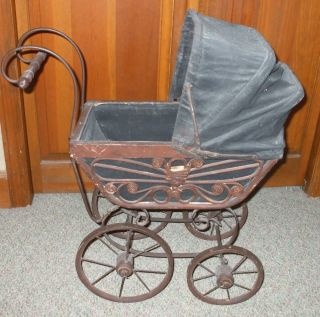 Victorian/antique Style Babybuggy/pram/carriage Wood/wicker/canvas/metal photo
