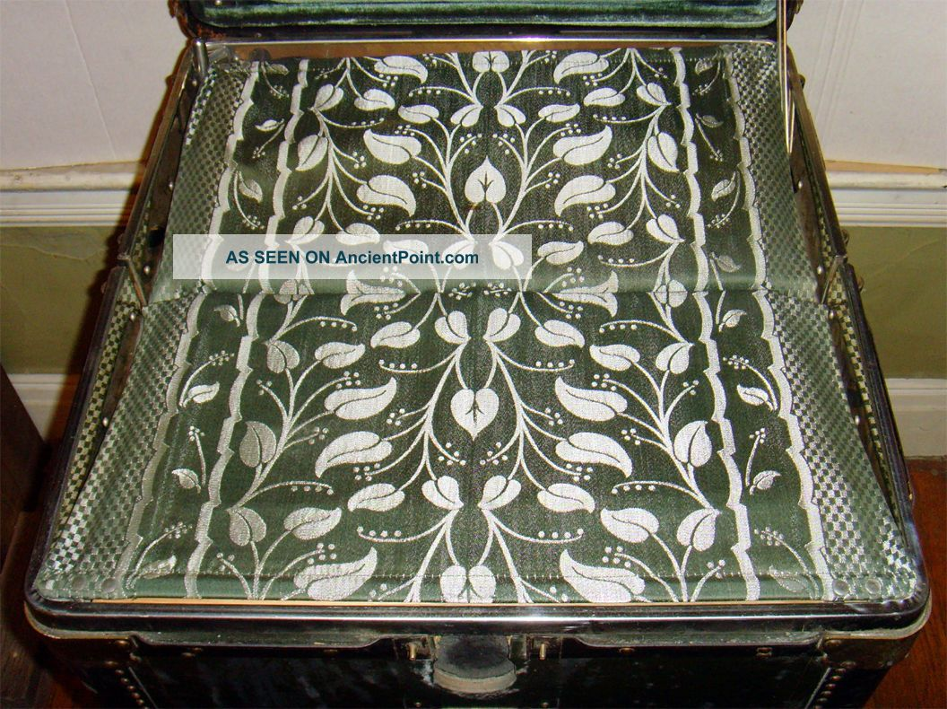 Hartmann Steamer Trunk 1900-1950 photo