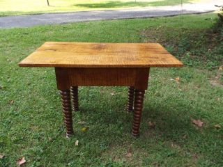 Rare Antique Tiger Maple Tavern Table With Spool Legs,  L 36.  5