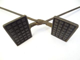 Antique Cast Iron E&t Asterisk Pattern Fireplace Campfire Waffle Iron Fire Pie photo