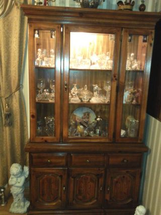 Great Quality China Cabinet photo