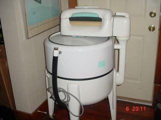 Vintage Maytag Wringer Washing Machine Turquoise Ex.  Cond.  Orig.  Working photo