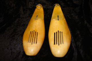Vintage Pair Wood Shoe Form Lasts Primitive Decor Display Size 10c Hanging Ring photo