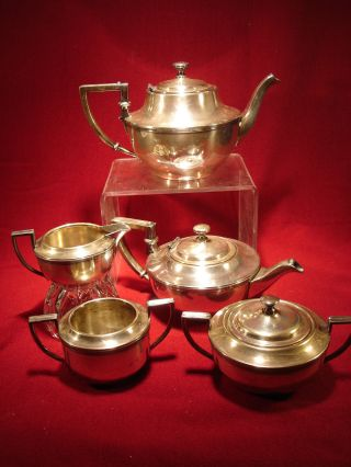 Art Deco Meriden Britannia Company Silverplate 2090 5 - Piece Coffee/tea Service photo